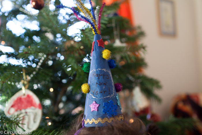 New Year's Eve craft – Make a party hat